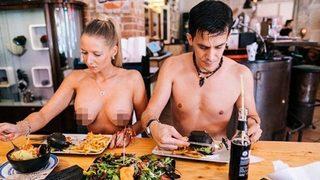 Tartışma yaratan çıplaklar restoranı açıldı!