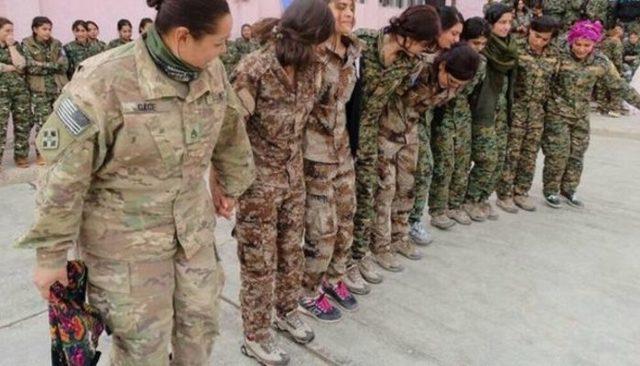 Yine bir YPG-ABD skandalı! Menbiç'te halay başı ABD'li askeri!