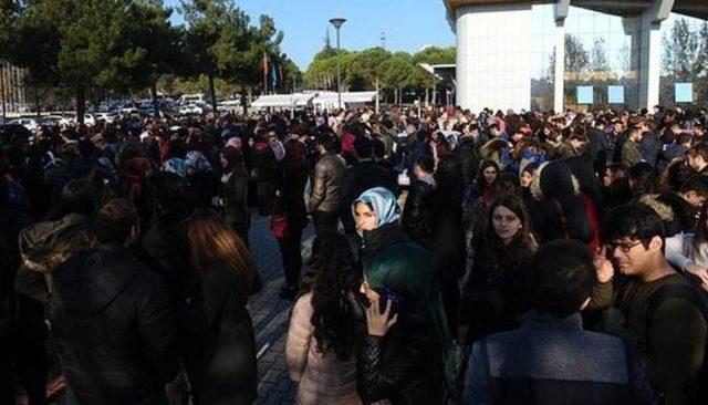Uludağ Üniversitesi'nde İlber Ortaylı izdihamı