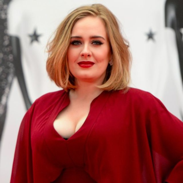 Adele-Visiting-Grenfell-Tower-Fire-Victims-London-2017