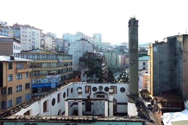 Rize'de Tehlikeli Minare Yıkımı ile ilgili görsel sonucu