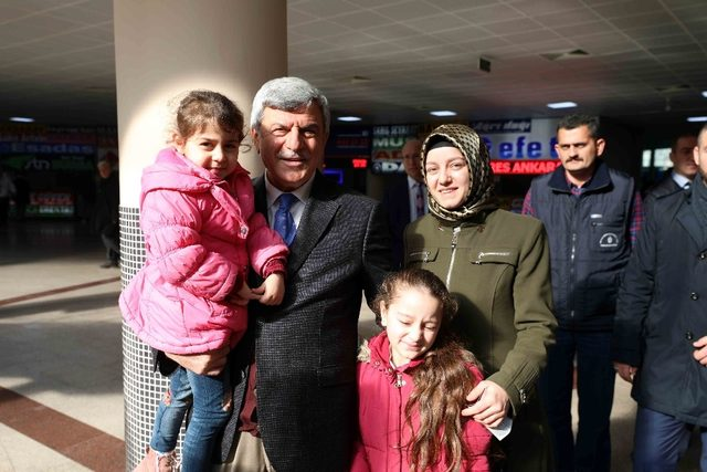Başkan Karaosmanoğlu Otobüs Terminalinde esnafı ziyaret etti