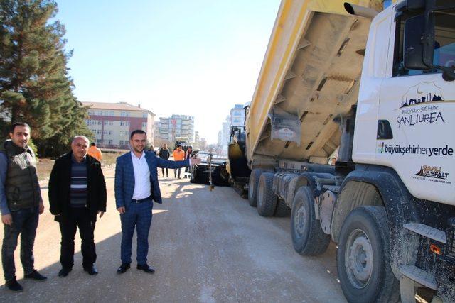 Büyükşehir ile yeni yerleşim alanları asfaltlanıyor