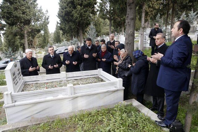 Osman Solakoğlu, mezarı başında anıldı