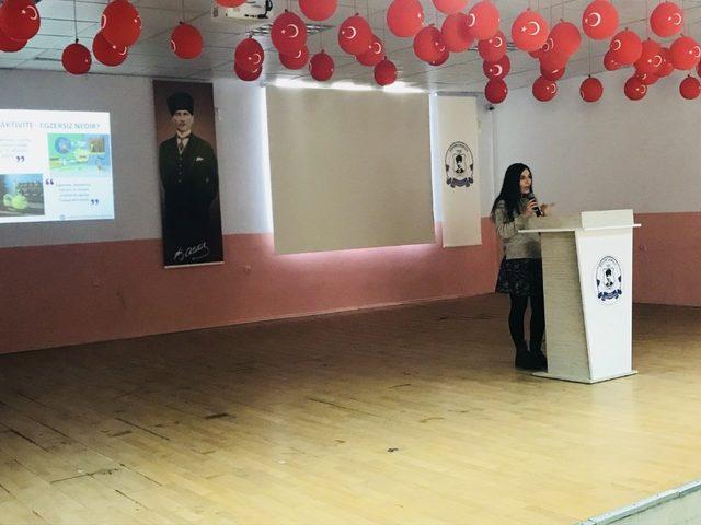 'Sağlıklı beslen, hareket et, diyabeti yen' semineri Gölmarmara'da başladı