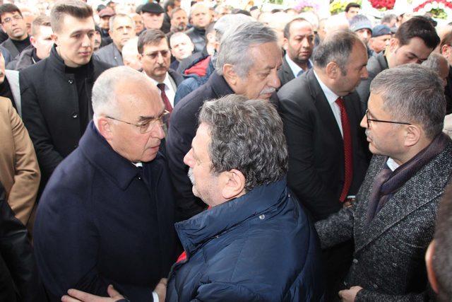 Başsavcı Hadi Salihoğlu'nun babası son yolculuğuna uğurlandı