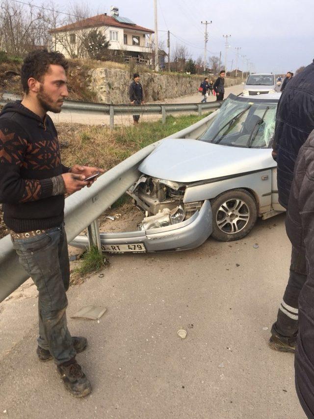 Kazada otomobiller kullanılmaz hale geldi