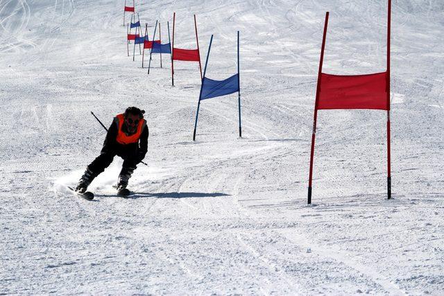 Bingöl'de Hesarek Kayak Merkezi'nde masterlar yarışması