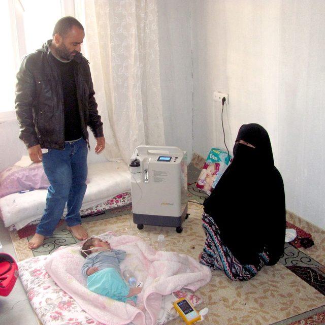 Bakımsızlıktan ölmek üzere olan Menbiç'li aileye devlet sahip çıktı