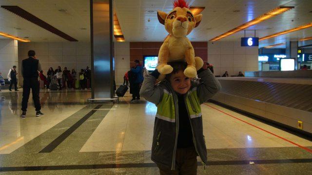Sömestr tatilinin bitmesiyle Sabiha Gökçen Havalimanı'nda yoğunluk oluştu