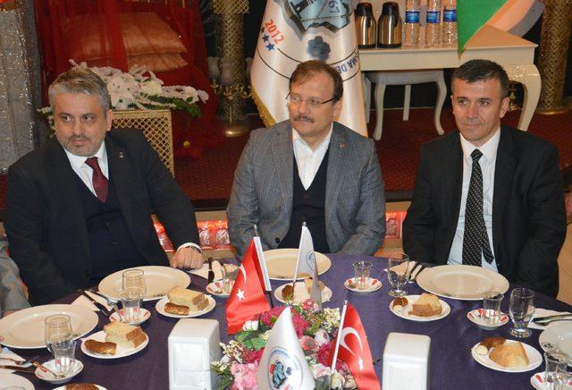 Hakan Çavuşoğlu: Milletimiz yürü diyor, Mehmetçiğimiz gürül gürül gidiyor