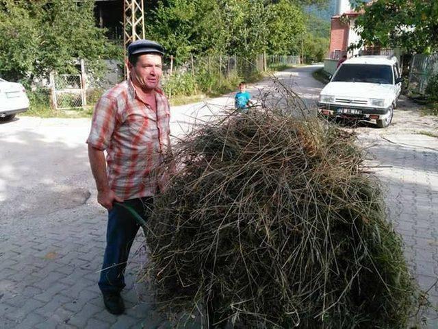 Devrilen kamyonda ölen 2 orman işçisi toprağa verildi