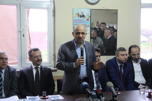 Başbakan Yardımcısı Işık, köylülerin sorunlarını dinledi