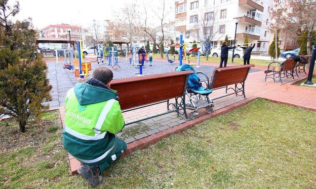 Çankaya'da parklara bakım onarım yapılıyor