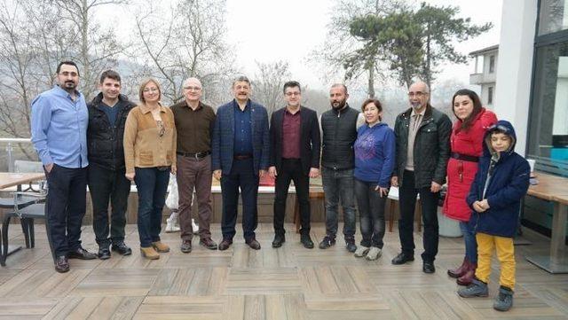 Başkan Akın, dernek üyeleri ile bir araya geldi