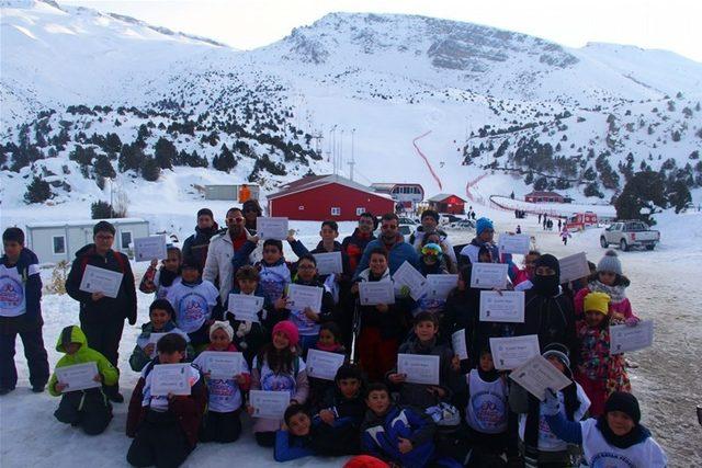 Kayak temel eğitimi sona erdi