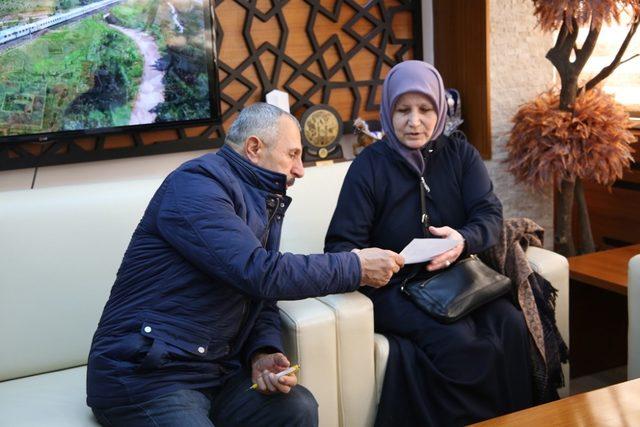 Gurbetçi vatandaşlardan Ayyıldız Camisi'ne bağış