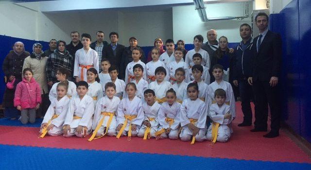 Bozüyük'te karate terfi heyecanı yaşandı