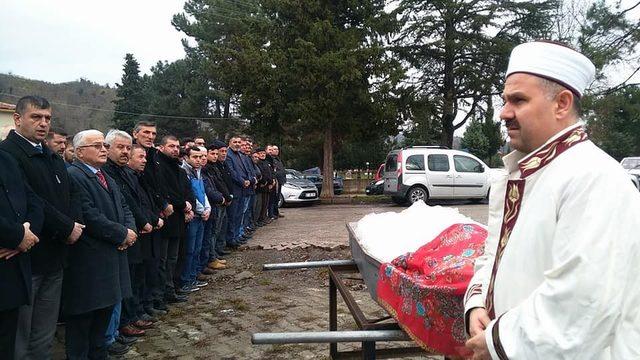 Trafik kazasında ölen üniversite öğrencisi toprağa verildi