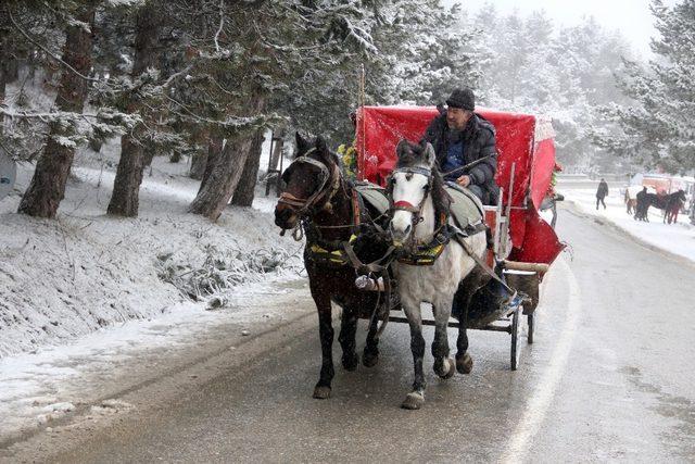 Abant yarıyıl tatilinde tatilcilerin akınına uğradı