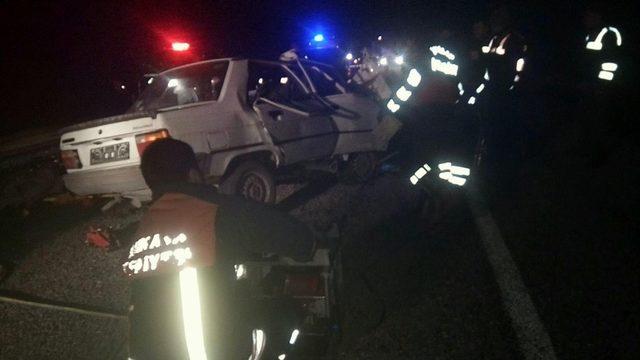 Çorum'da iki otomobil kafa kafaya çarpıştı: 3 ölü, 1 yaralı