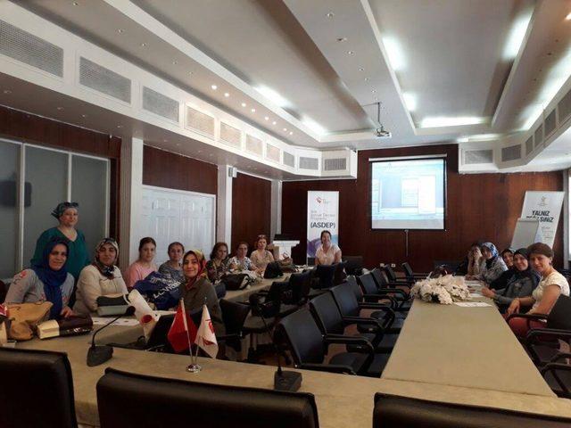 Aydın'da aile eğitimi programı devam ediyor