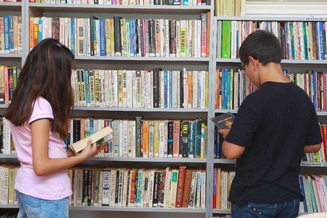 Bayraklı'nın kütüphaneleri örnek oluyor