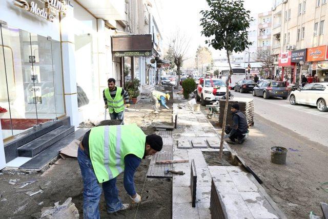 Gölbaşı Caddesi yenileniyor
