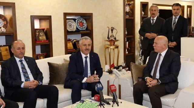 Ulaştırma, Denizcilik ve Haberleşme Bakanı Arslan'dan Büyükşehir Belediyesi'ne ziyaret