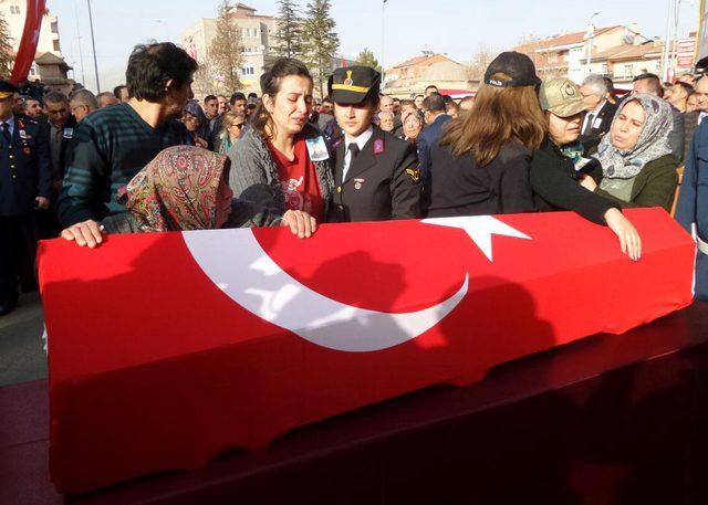 'Zeytin Dalı Harekatı' şehidi Uzman Çavuş Kaya, Nevşehir'de son yolculuğuna uğurlandı