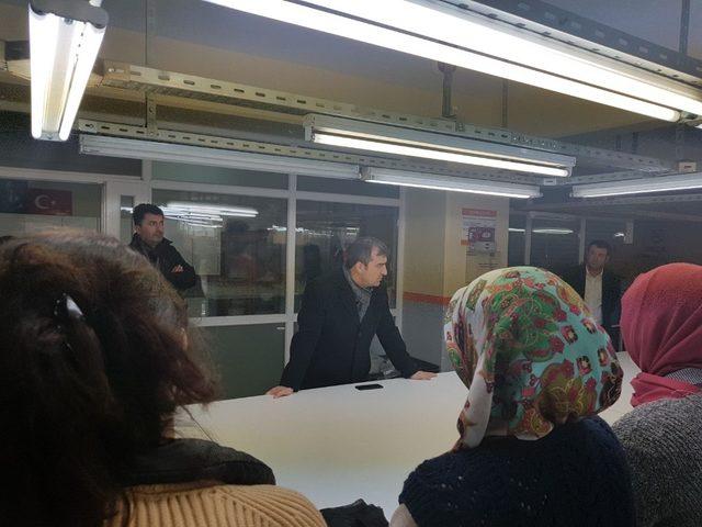 Başkan Yemenici maaşlarını alamayan tekstil fabrikası çalışanlarını ziyaret etti