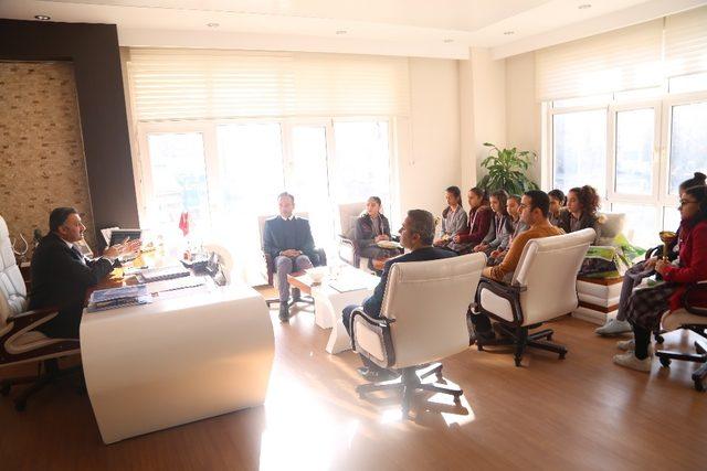Satranç Şampiyonlarından Başkan Cabbar'a ziyaret