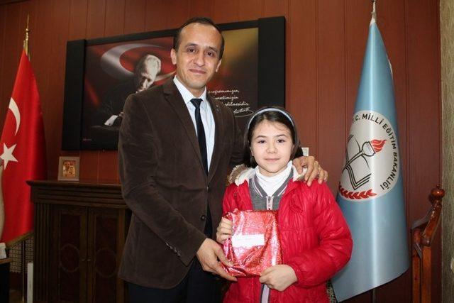 Sungurlu'da 8 bin öğrenci 3 ayda 5.2 milyon kitap okudu