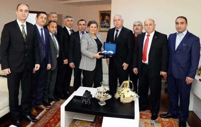 Şoför esnafı Başkan Çerçioğlu'na teşekkür etti