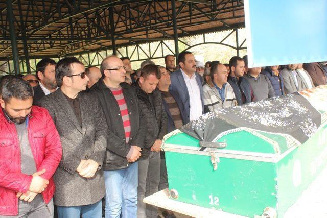 AK Parti İlçe Sekreteri Hacer Erçetin son yolculuğuna uğurlandı