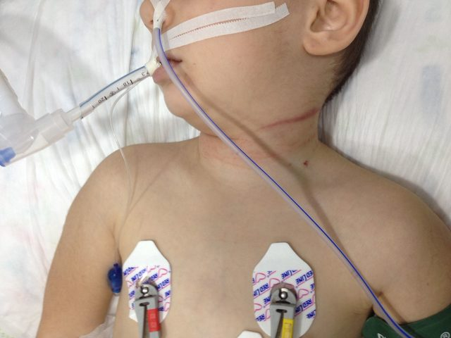 4 yaşındaki kızını serum hortumuyla boğmuş (2)