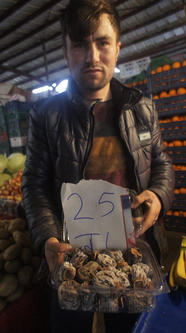 Alaşehir'de Türk kahvesi, kurutulmuş cennet elmasıyla içiliyor