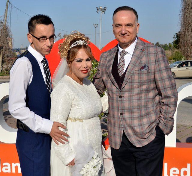 Kilo verip evlendiler, doktorları şahitliklerini yaptı