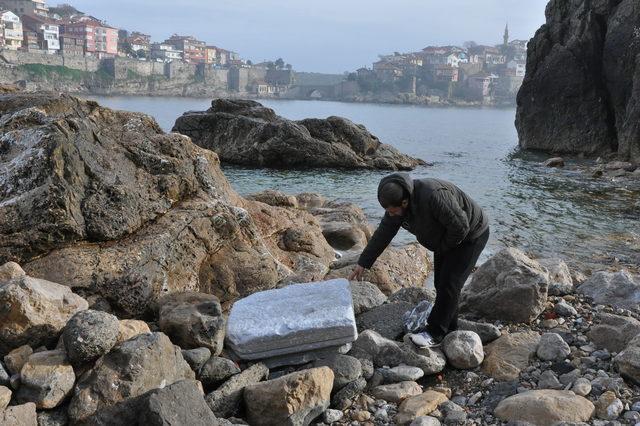 Tarihi eserler sahile vurdu