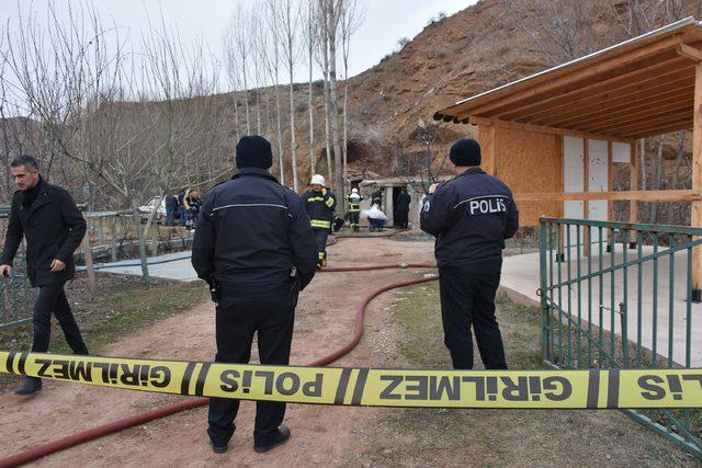 Meyve bahçesindeki barakada yanmış erkek cesedi bulundu