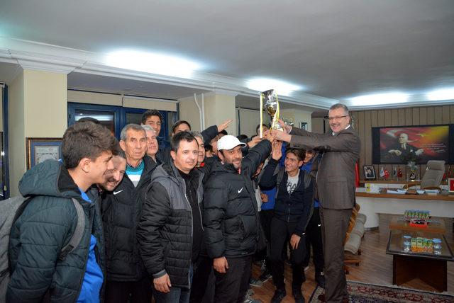 Şampiyonluk kupası Karacabey'de