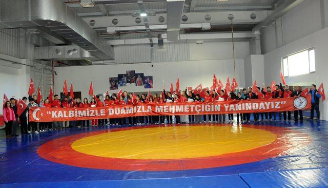 Kadın Güreş Milli Takımı'ndan Afrin'deki Mehmetçik'e dualarla destek