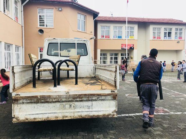 İç Anadolu Belediyeler Birliğinden malzeme desteği