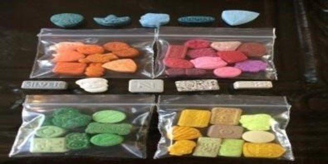 Uyuşturucu ticareti yapan 4 kişi tutuklandı