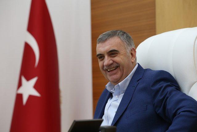 """Başkan Toçoğlu: """"Sadece rükuda eğilen bir gençlik"""""""