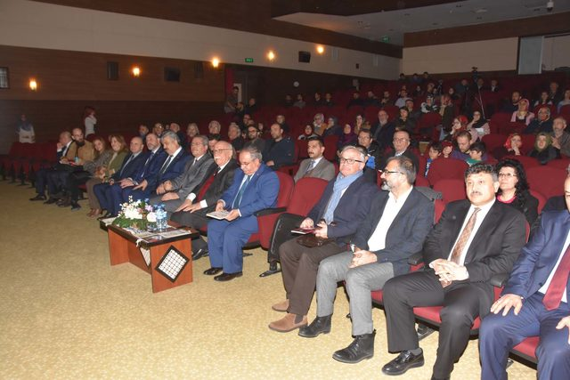 Kütahya Belediyesi'nin 'Açık Üniversite' programı başladı