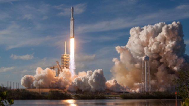 Dünyanın en güçlü rokerini uzaya gönderen Elon Musk ve SpaceX için sırada ne var?