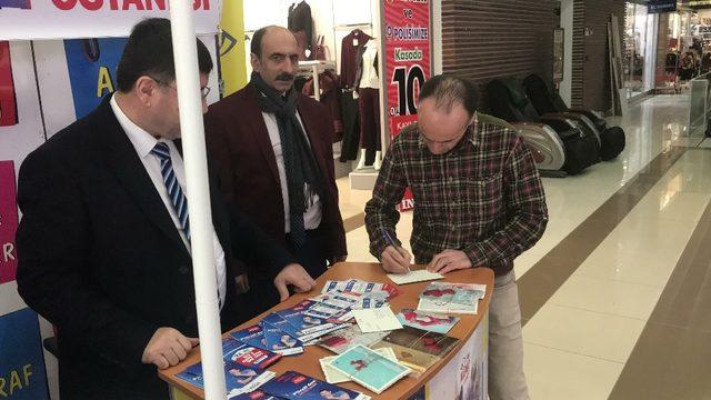 Herkes sevgilisine, eşine kartpostal gönderirken o Afrin'deki Mehmetçiğe gönderdi