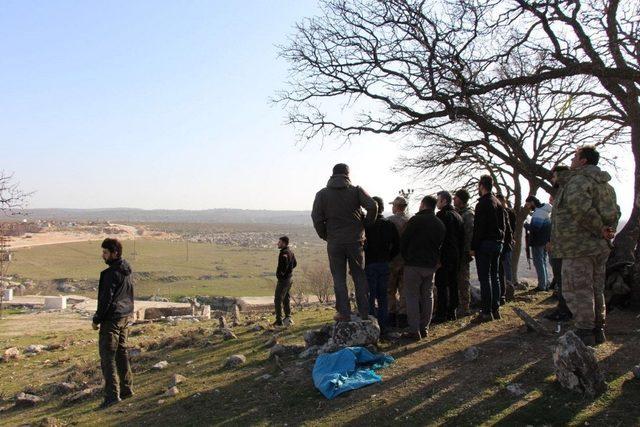 Kaymakam Yazıcı Mehmetçikleri mevzilerinde ziyaret etti