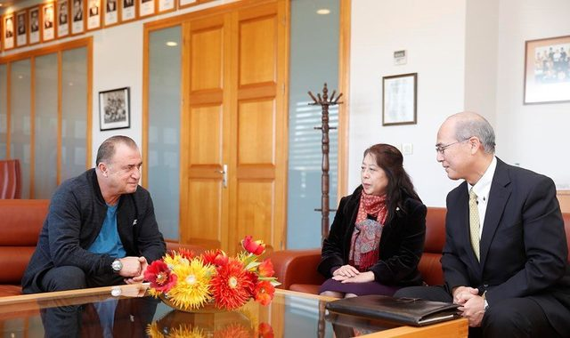 Japonya Başkonsolosu Ehara'dan Galatasaray'a ziyaret